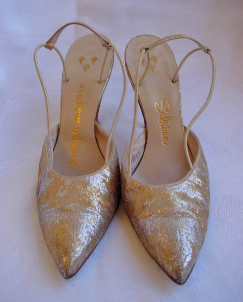 1950s Sabrina Gold Brocade Pumps
