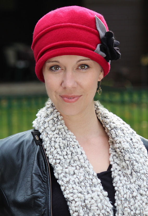 Eliza Wool Cloche Hat color:red