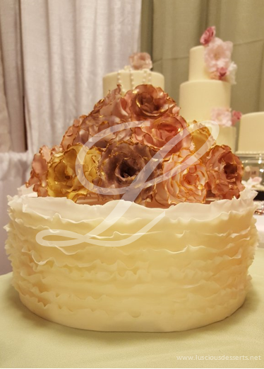 Antique Roses Wedding Cake