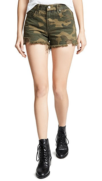 BLANK NYC CAMO DISTRESSED SHORT
