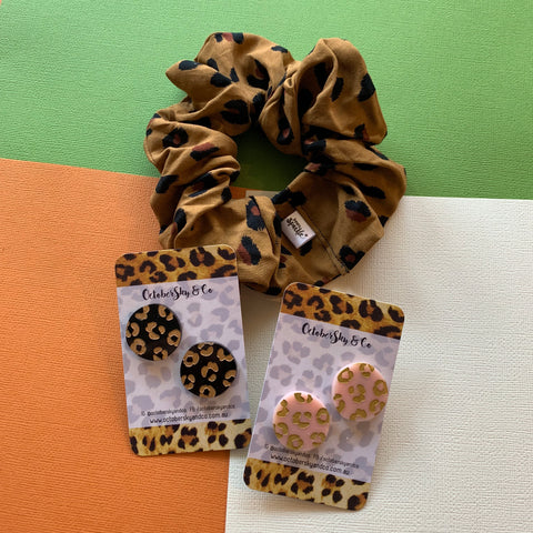 **PRE-ORDER** EXCLUSIVE SCRUNCHIE & STUDS SET