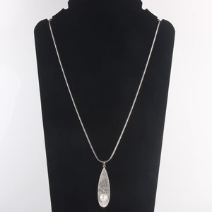 Crystal Shell with Center Pearl Necklace