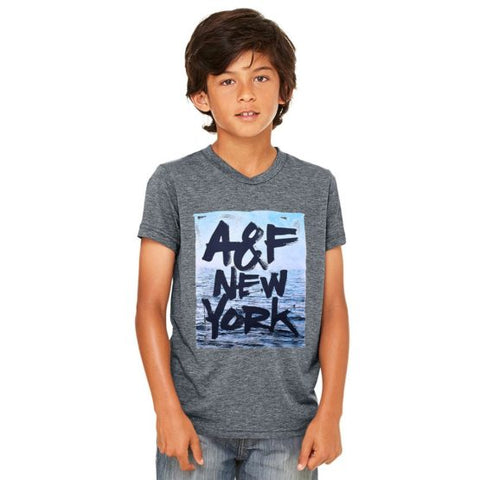 BOY'S A&F NEW YORK PRINTED TEE – (CHARCOAL)