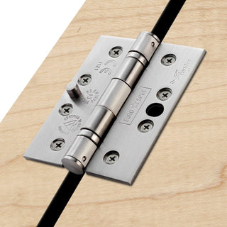 Image: Stainless Steel Ball Bearing Security Grade 13 Hinge, also suits fire doors.