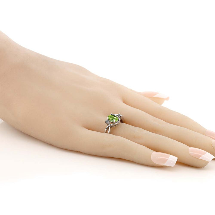 0.92 Ct Oval Checkerboard Green Peridot White Diamond 925 Sterling Silver Ring