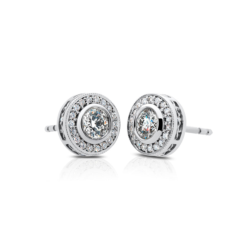 Splendeur Diamond Halo Stud Earrings in 18K Gold