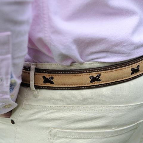 Argentinian nubuk leather Polo belt in brown leather with brass style buckle on a model
