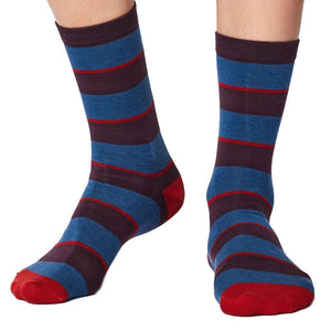 Elfield striped soft & breathable bamboo socks in blue - white background