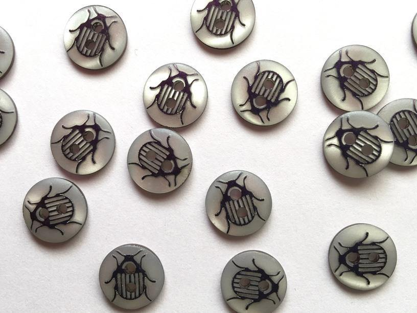 12mm - White with Very Dark Navy Beetle TextileGarden Buttons & Fasteners