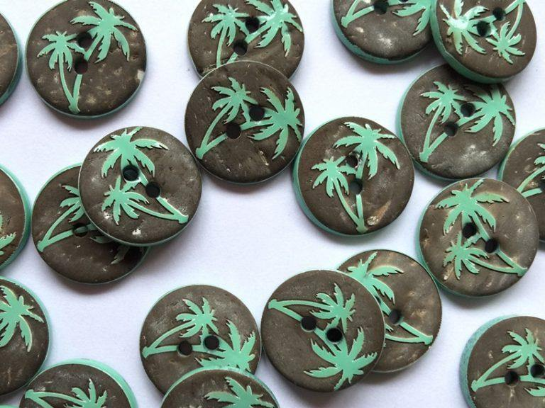 "Coconut Shell with Green Palm Trees 14mm (5/8"") Buttons"