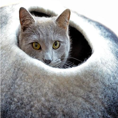 Dharma Dog Karma Cat Black/White Ombre Cat Cave | .Com
