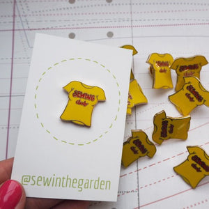 Sewing Club - Pin Badge