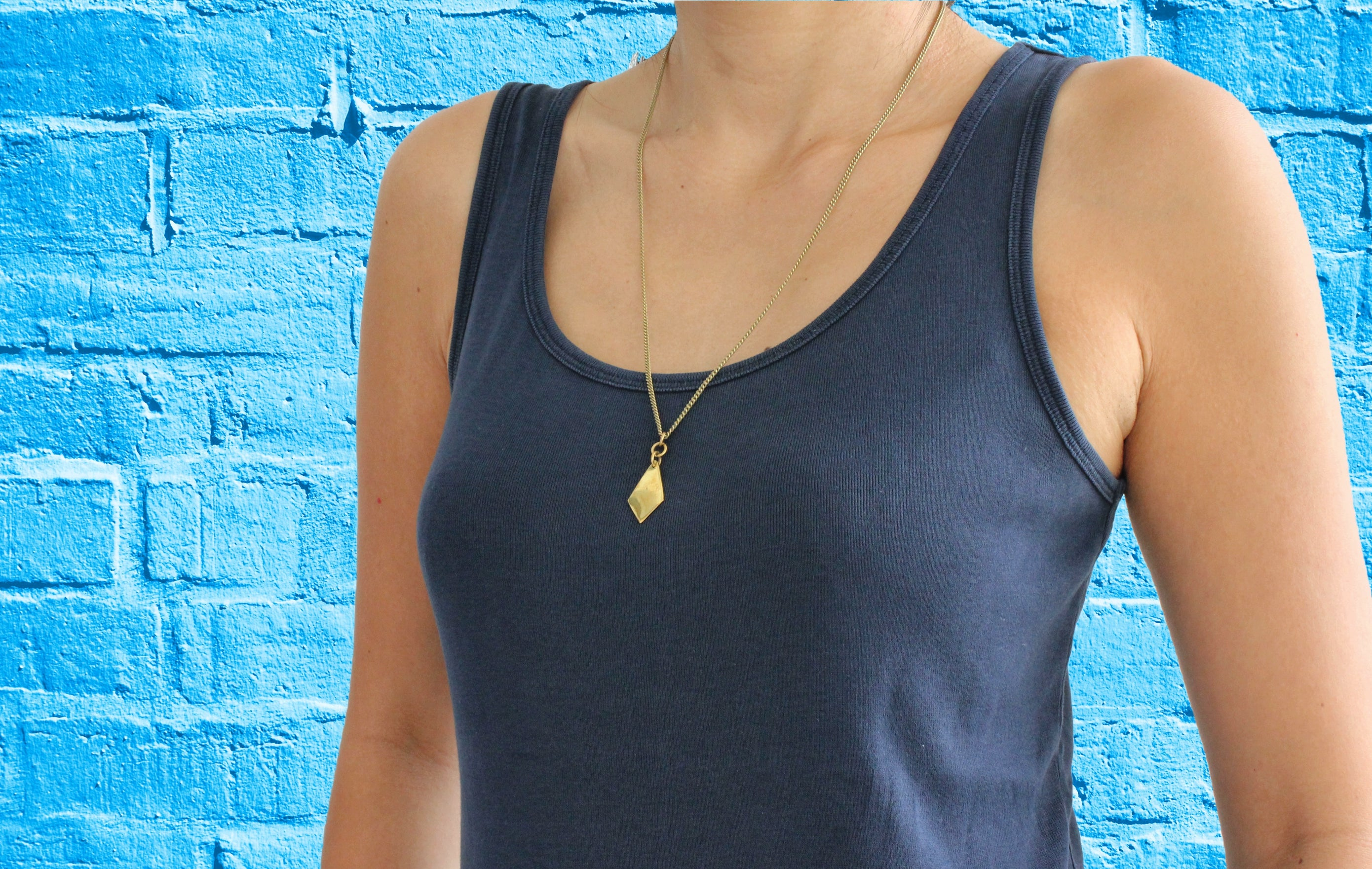 African brass necklace Fan body blue brick