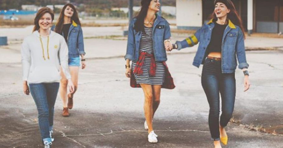 How to style your Comfort Enoz denim jacket