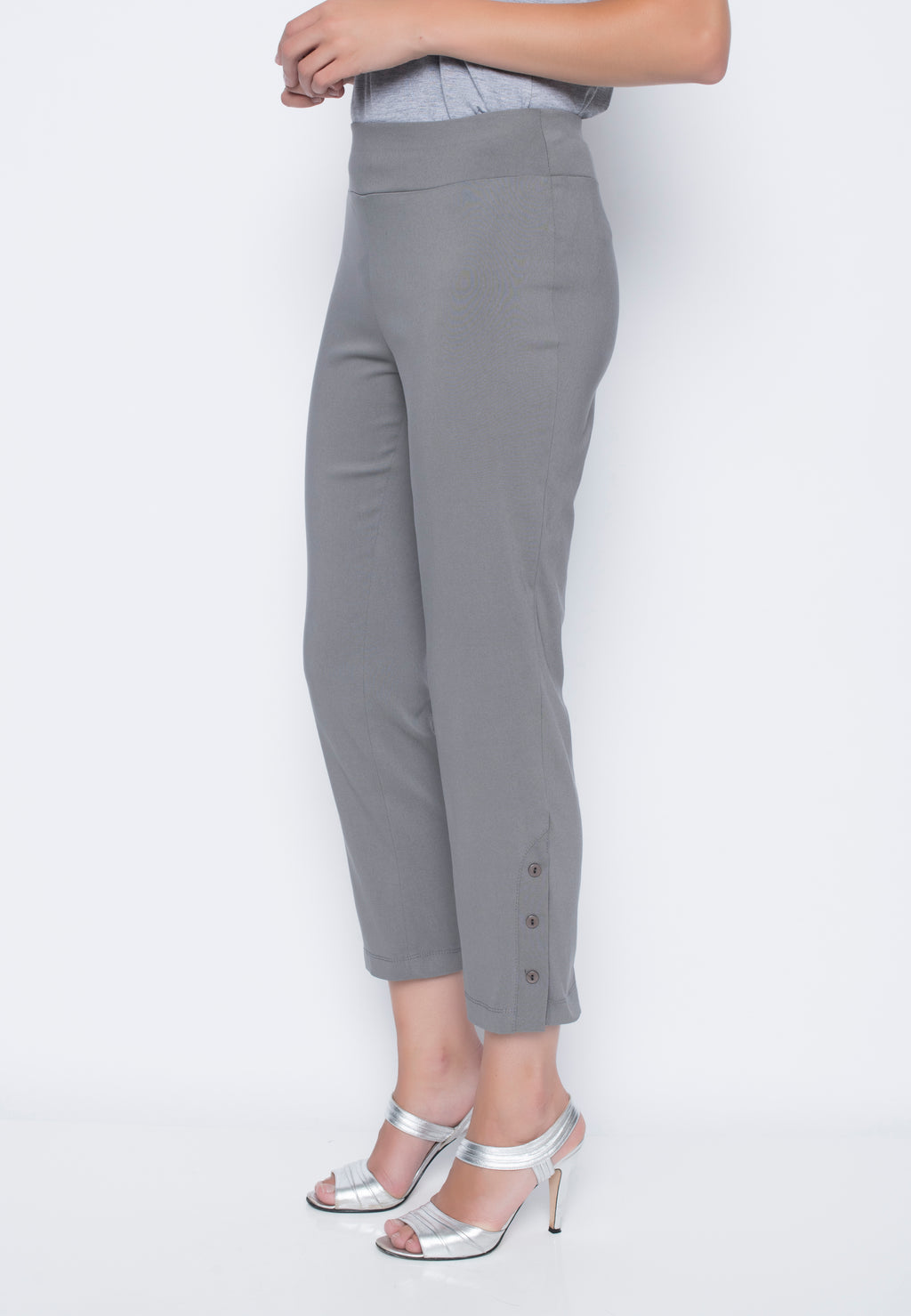 Cropped Pants w/Button Detail