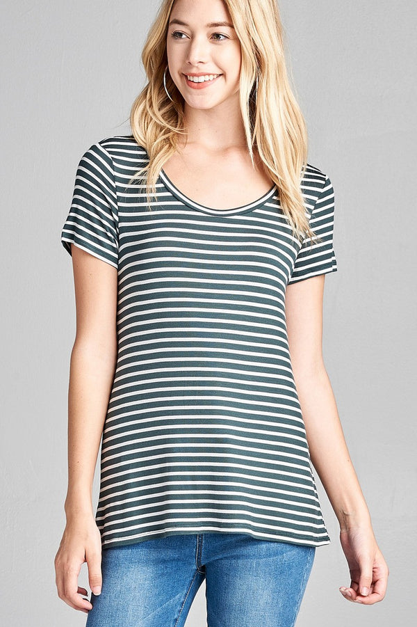Short Sleeve Scoop Neck Basic Tee in Dark Green and White