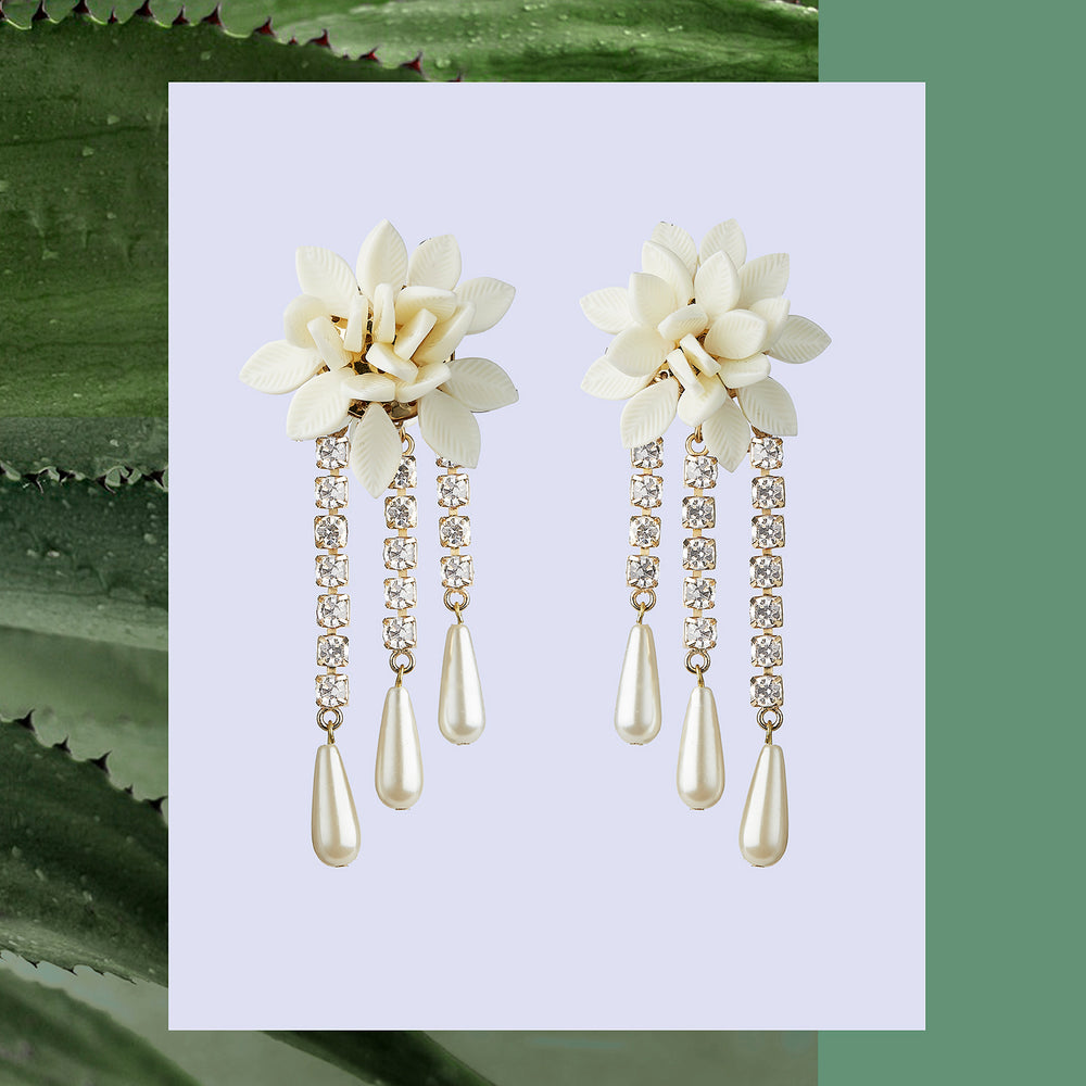 WHITE FLOWER & CRYSTAL DROPS