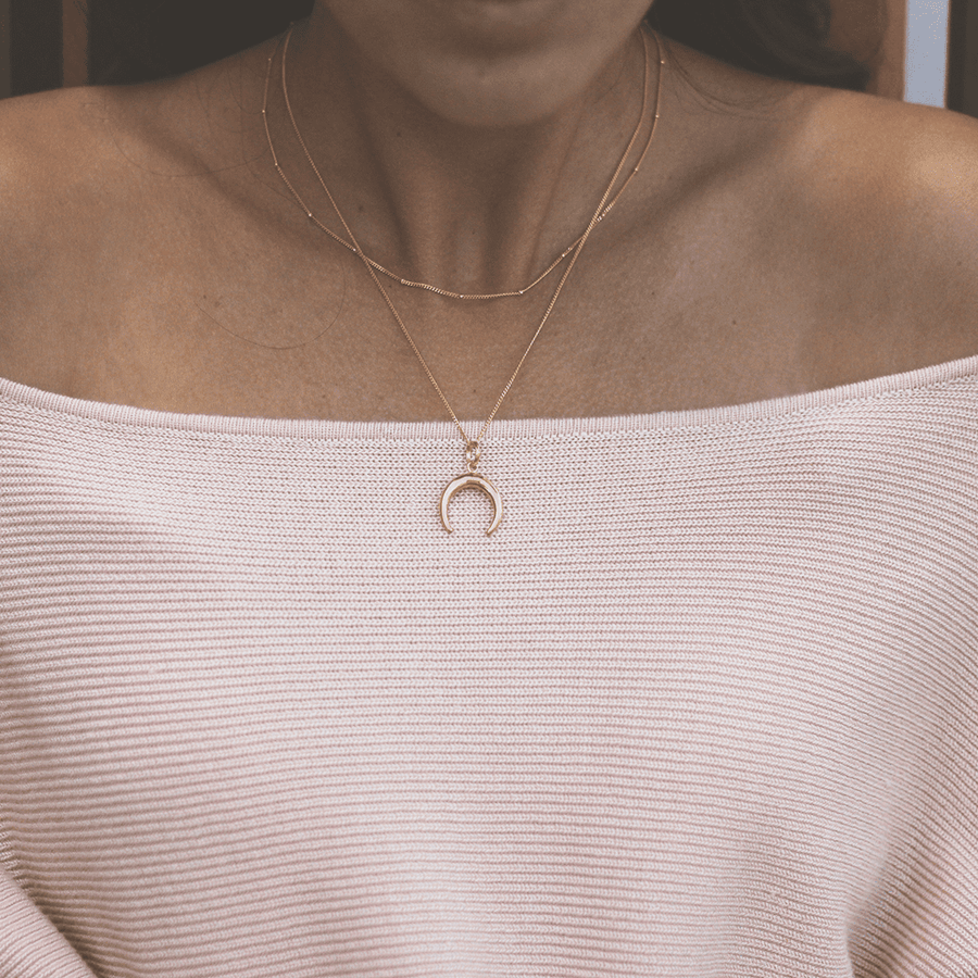 gold minimalistic layering necklace