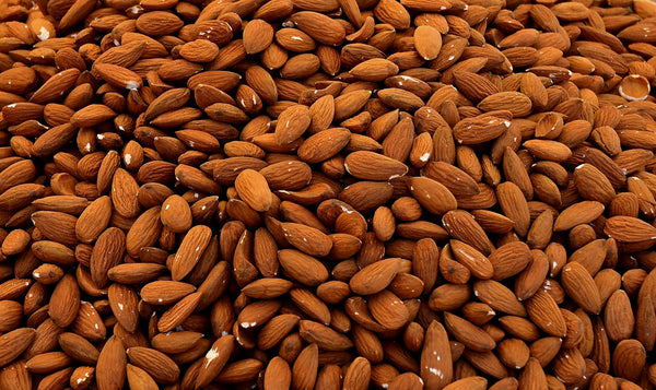 WHY EVERYONE NEED TO START USING ALMOND OIL