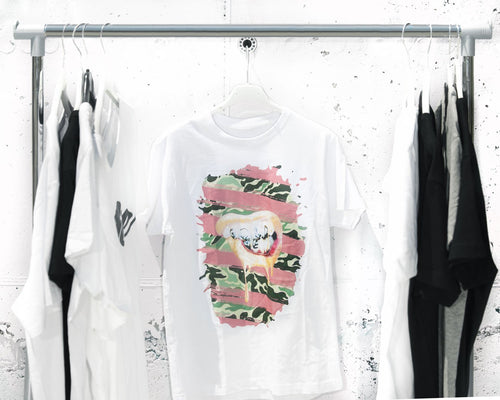 Gold mouth pink T-shirt white