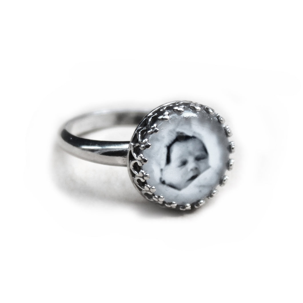 Round Photo Lace Edge Ring