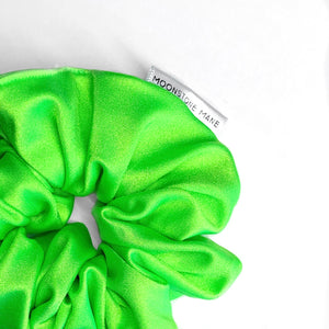 EXCLUSIVE NEON @gpmakeup  SCRUNCHIE