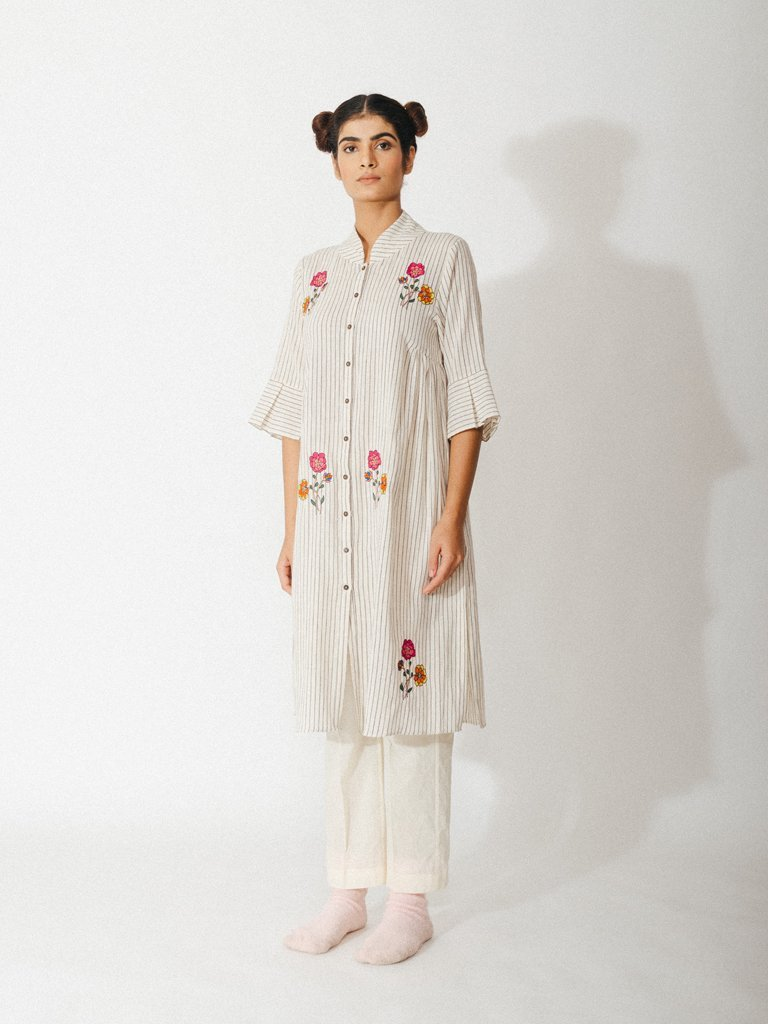off white handwoven organic cotton robe with embroidered floral detailing image 3