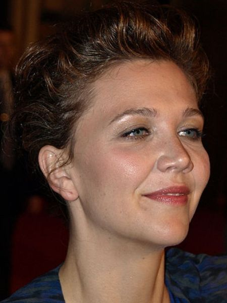 Maggie Gyllenhaal fell so in love with the buzzy pleasure toys that she went so far as to share them with her friends
