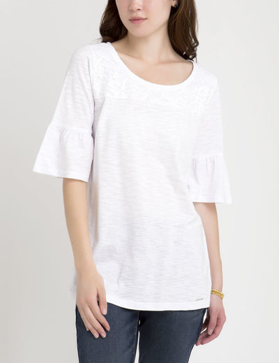 LACE YOKE FLUTTER SLEEVE TOP