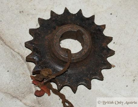 Norton 16H,ES2,M18,Big4 Primary Sprocket 18T. used