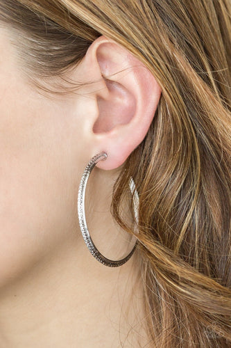 Girl Gang-silver-Paparazzi earrings