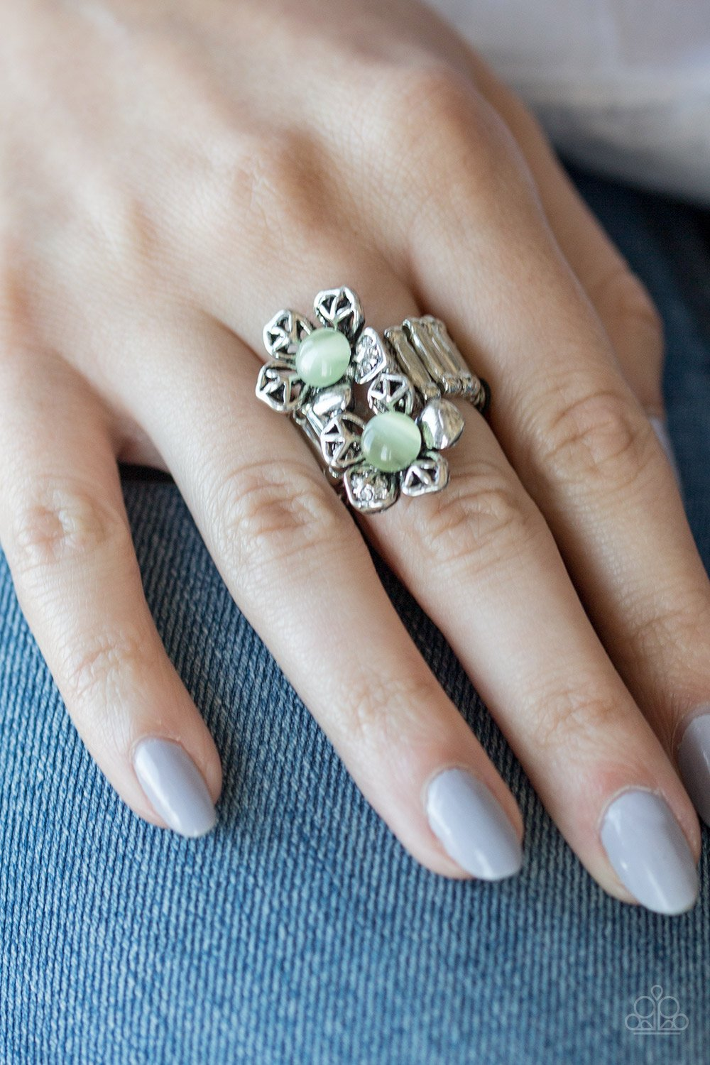 Magnolia Mansions - green - Paparazzi ring