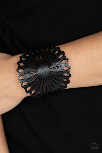 Wildflower Garden-black-Paparazzi bracelet