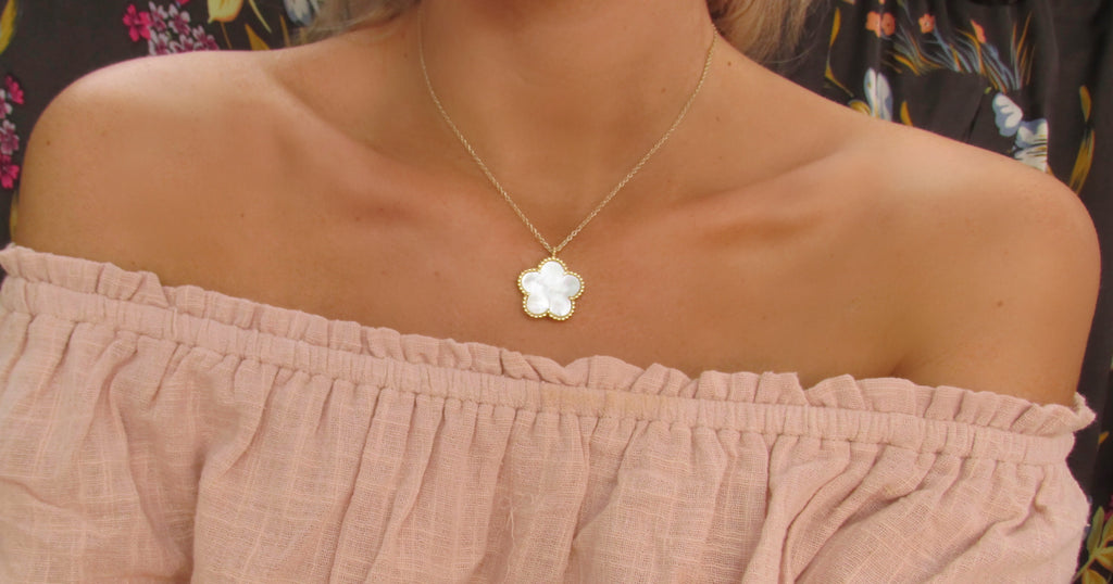 White Lucite Flower Pendant Necklace