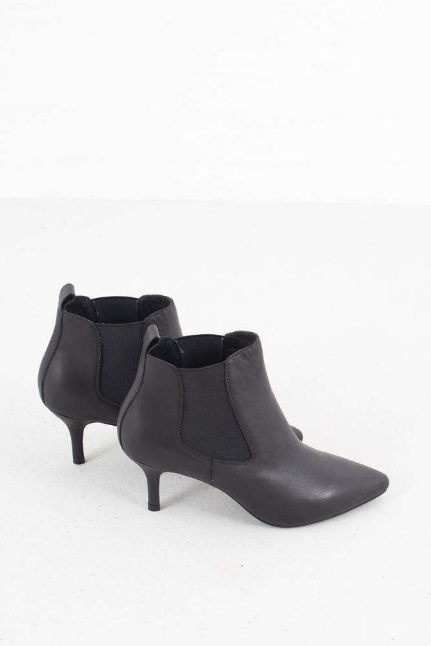 Agnete Chelsea Leather - Sort fra Shoe the bear 2
