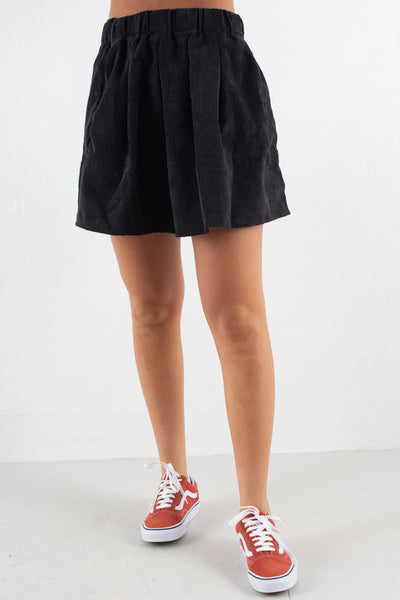 Kia corduroy skirt - Black fra Moves by Minimum
