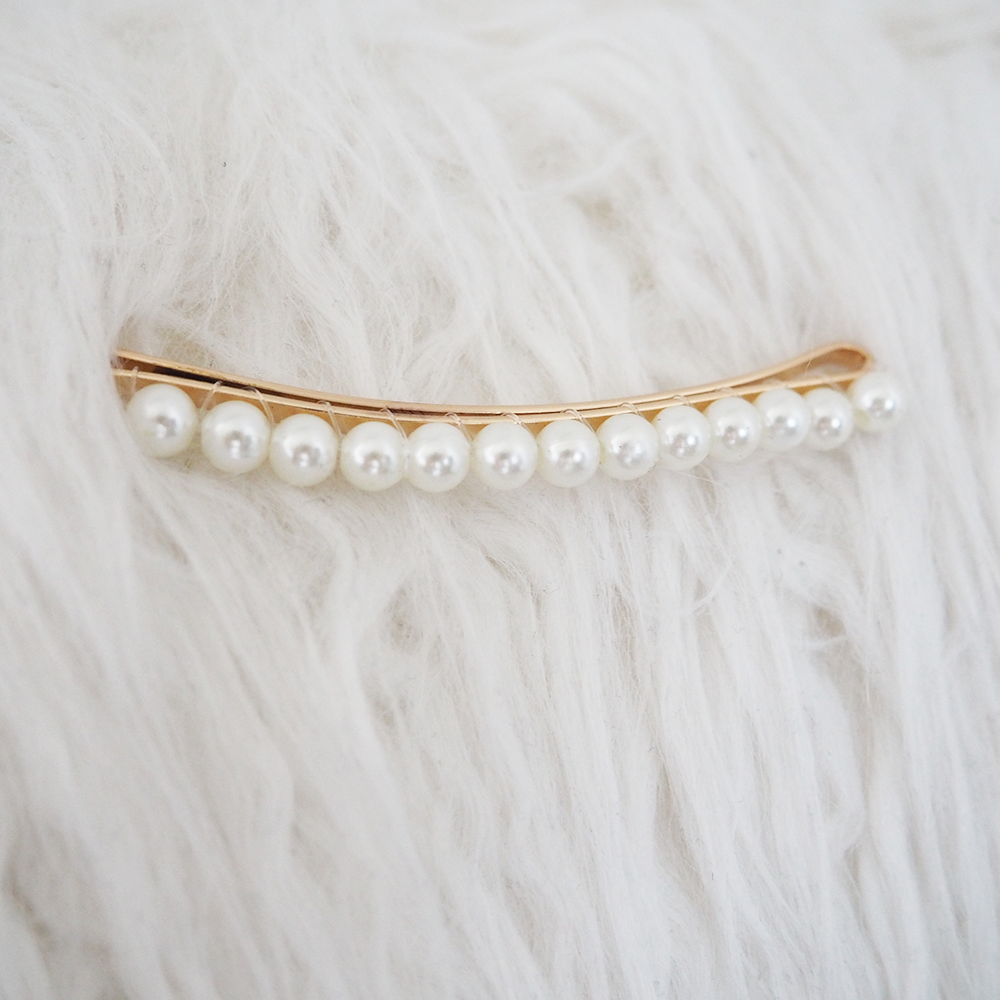Single Pearl Embellished Hair Slide