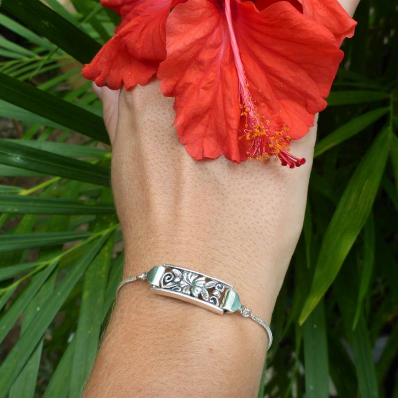 Luxury Sustainable Silver Hibiscus Perfection Bracelet