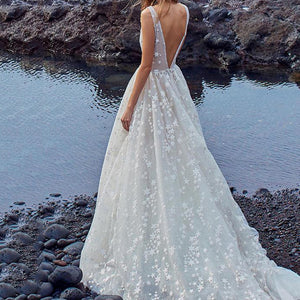 Sexy Deep V Collar Sleeveless Wedding Dress