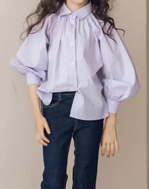 Lilac blouse with puff sleeve