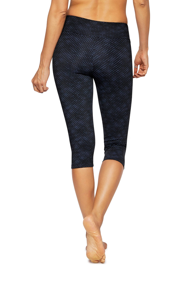 Brasilfit Australia Activewear High compression sports tights Jewel - beautiful dark navy and black geometrical chic pattern just below the knee cap length - back view close up