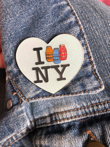 Quarter water NY enamel pin