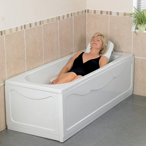 Heavy Duty Bathmaster Deltis Bathlift with blue covers