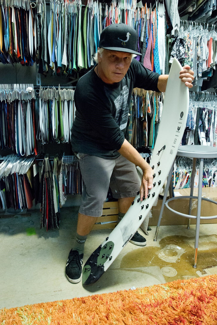 JG from Burton snowboards with the Resonator powder surf. The bindingless snowboard that you can surf thanks to Burton and Varial surf technology.