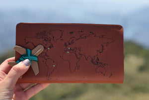 STITCH TRAVEL WALLET BROWN