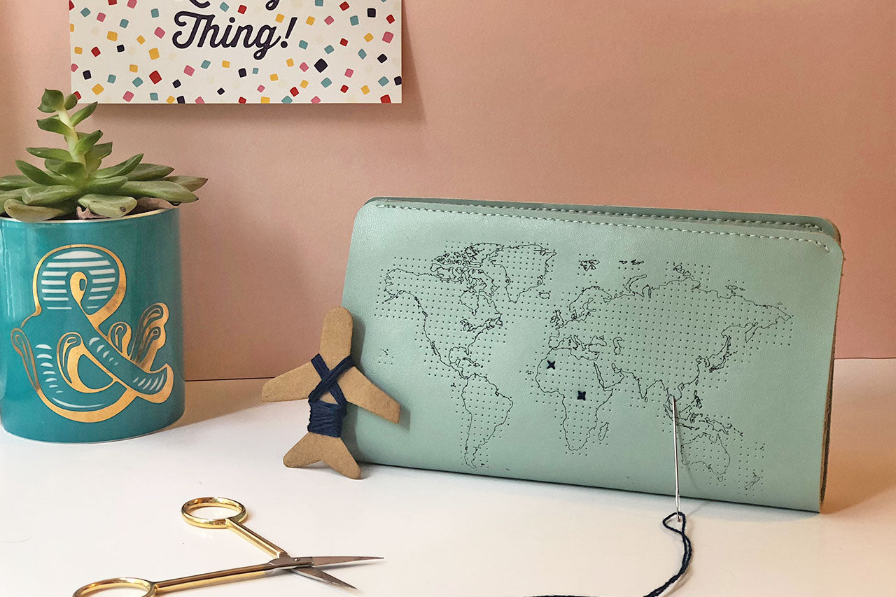 STITCH TRAVEL WALLET MINT
