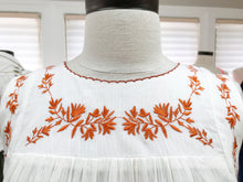 Load image into Gallery viewer, Embroidered White Tunic