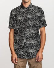 Load image into Gallery viewer, Blind Floral Button Up (Black)