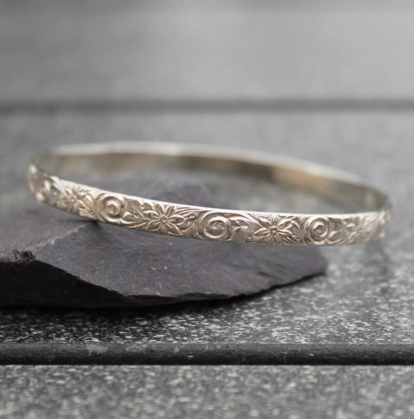 Sterling Silver Flower Pattern Bangle