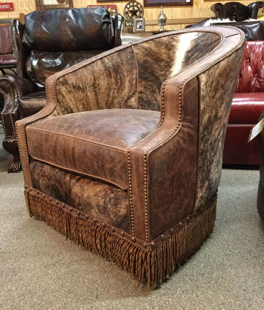 Laura Swivel Chair With Cowhide